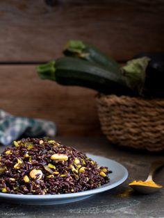 Insalata di riso venere alla curcuma con mandorle e verdure - Mastercheffa Acai Bowl, Food And Drink, Eat, Breakfast, Terra, Acai Berry Bowl, Morning Coffee