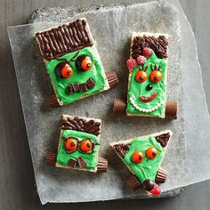 Frankenstein never looked so good - check out this fun dessert the whole family will love: http://www.bhg.com/halloween/recipes/halloween-treats-kids-can-make/?socsrc=bhgpin101014freakyfrankensteinfamilytreats&page=4