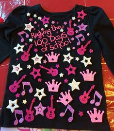Easy 100 Days of School Shirt Ideas Easy 100 Days of School Shi. - 100 Days of School 💯 100th Day Of School Crafts, 100 Day Of School Project, School Fun, School Projects, School Ideas, Diy Kids Shirts, Shirts For Girls, 100 Days Of School Project Kindergartens, 100 Day Shirt Ideas