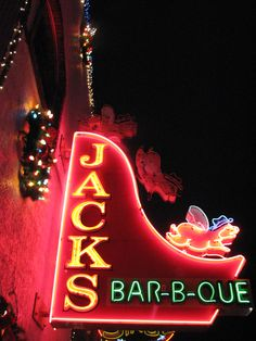 Jacks Bar-B-Que (Nashville, Tennessee): If you ever find yourself in Tn, go get some good barbeque. I tried it this past weekend.