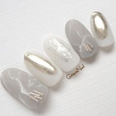Beautiful nail art designs that are just too cute to resist. It's time to try out something new with your nail art. Love Nails, How To Do Nails, Pretty Nails, Fun Nails, Bridal Nails, Wedding Nails, Pearl Nails, Kawaii Nails, Japanese Nails