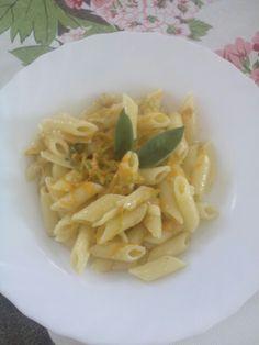 Pasta con fiori di zucchina