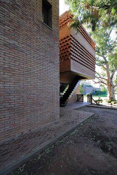 Casa Antoniz by Marcelo Villafañe/Rosario, Argentina