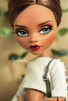 Original:17'' Monster High Clawdeen Repainted & Photos by QuanaP Outfit & Style by AlexNg