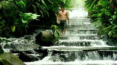 From mud baths to strolls along the beach, there are endless ways to unwind in Costa Rica.