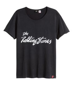 Rock 'n' roll in this easy black Rolling Stones T-shirt. | H&M For Men