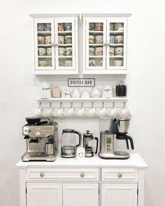 Coffee Bar Station, Coffee Station Kitchen, Coffee Bars In Kitchen, Coffee Bar Home, Home Coffee Stations, Coffee Corner, Coffee Bar Ideas, Coffee Area, Coffee Mugs