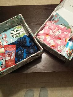 Christmas Eve boxes for the kids. Night Before Christmas Box, Christmas Eve Box, Christmas Crafts, Xmas Presents, Kids Fun, Boxes, Gift Ideas, Holidays, Quilts