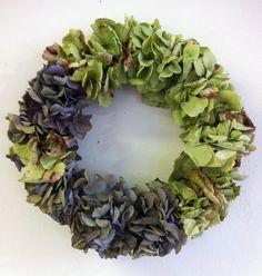 Kranz - Hortensienkranz von kunstbedarf24 auf DaWanda.com Floral Wreath, Wreaths, Etsy, Home Decor, Floral Crown, Decoration Home, Door Wreaths, Room Decor, Deco Mesh Wreaths