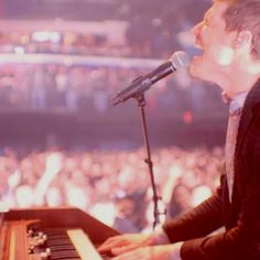 Paul Meany of MUTEMATH! :)