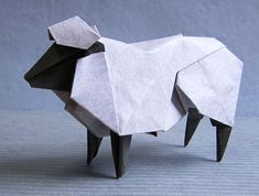origami sheep for @Mary Holland als minimalistische tattoo?