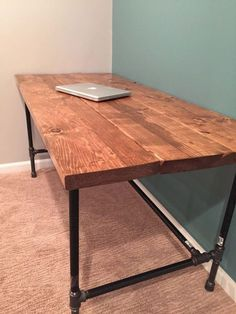 How to build Diy pipe desk ideas. desk plans DIY: How To Build A Desk Bureau Design, Diy Bureau, Diy Office Desk, Diy Computer Desk, Home Office Furniture, Office Table, Pallet Furniture, Desk Dyi, Pallet Beds