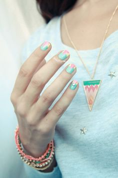 Pastel graphic manicure by Pshiiit