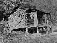 Mountaineer's cabin near Jackson, Breathitt County, Kentucky 8c13388u