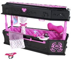 Monster High - Draculaura Jewelry Box Coffin by Mattel Monster High Beds, All Monster High Dolls, Bedroom Accessories, Doll Accessories, Ever After High, Draculaura, Kids Jewelry Box, Hello Kitty, Mattel