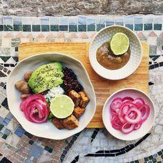 Poke bowl + jordnötssås