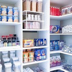 Pantry Organisation, Pantry Storage, Bathroom Organization, Pantry Ideas, Organization Ideas, Dorm Room Comforters, Pantry Makeover, Pantry Design, Office Workspace