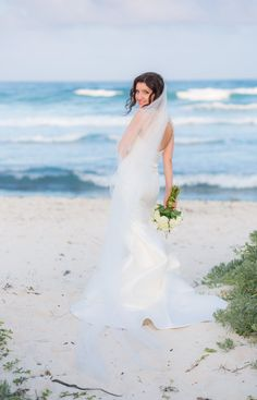 Simple and great way to show off the back of your dress. #tulumwedding #mexicowedding