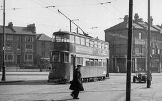 Jolly Butchers Hill 1930s North London, Old London, Buses, 1930s, Trains, Past, Street View, Wood, Green