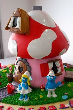 Celebrate with Cake! Mushroom Cake, Smurf House, Brithday Cake, Fondant Animals, House Cake, Fairy Cakes, Character Cakes, Biscuit, Fondant Toppers