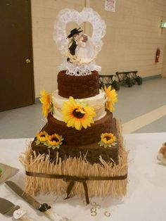 intimidating Pretty Western Wedding Cakes