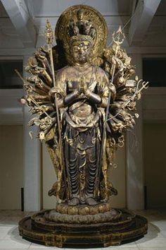 興福寺木造千手観音立像:完成まで四半世紀を要したと伝わる。造像担当者であった成朝が病気で亡くなり、制作途中で放置されたためである。その後、何らかの理由で制作が再開され、別の仏師の手によって完成された。