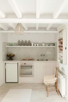 For Your Style File: 7 Beautiful & Inspiring Mediterranean Kitchens