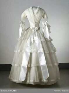 Swedish wedding dress, August 1854. Nordiska Museet.