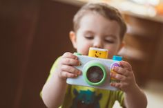 How to Take Better Photos in a Preschool Classroom Baby Images, Baby Pictures, Baby Kalender, Preschool Photography, Crying Kids, Baby Giveaways, Good Night Images Hd, Act For Kids, Baby Footprints