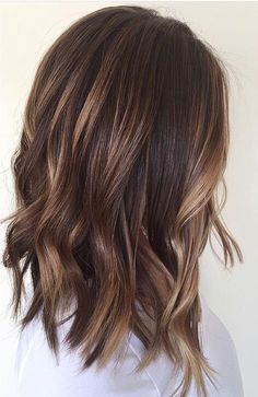 Brown hair and the right make-up. Medium brown hair with # brown # balayage # hairstyles, Brown hair and the right make-up. Medium brown hair with # brown # balayage # hairstyles, Short Hair Lengths, Short Hair Styles, Wavy Bob Hairstyles, Brunette Hairstyles, Lob Hairstyle, 2015 Hairstyles, Trendy Hairstyles, Medium Length Haircuts, Long Bob Hairstyles For Thick Hair