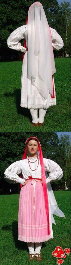 Tumban je veo pravokutnog oblika koji čini dio oglavlja svečane djevojačke narodne nošnje ogulinsko-plašćanske doline u Lici