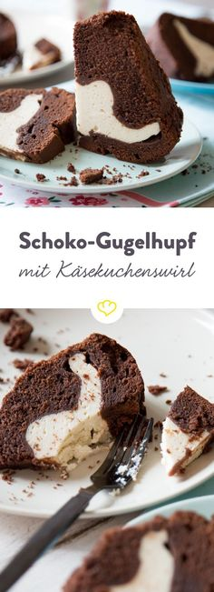A creamy cheesecake filling encased in a juicy .- Eine cremige Käsekuchenfüllung ummantelt von einem saftigen Schoko-Gugelhupf -… A creamy cheesecake filling encased in a juicy chocolate gugelhupf – yes, this sweet has your favorite cake potential. Food Cakes, Cheesecake Recipes, Dessert Recipes, Dessert Blog, Cheesecake Cookies, Cheesecake Bites, Savoury Cake, No Bake Cake, Yummy Cakes