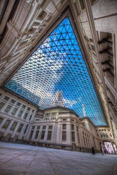 Palacio de Las Comunicaciones, Madrid.- 25 beautiful photos that will make you want to visit Madrid, Spain