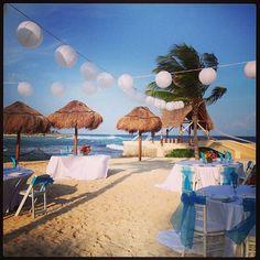 Beach reception at Dreams Puerto Aventuras #destinationweddings  #dreamspuertoaventuras Photo: cttravel
