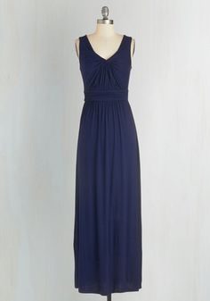 Brunch at Home Dress in Navy From the Plus Size Fashion Community at www.VintageandCurvy.com