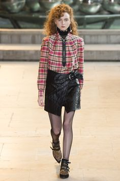 Isabel Marant Fall 2016 Ready-to-Wear Fashion Show  Diversity on this runway, thus far, has not been especially strong  http://www.vogue.com/fashion-shows/fall-2016-ready-to-wear/isabel-marant/slideshow/collection#24
