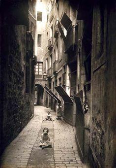 ADOLF MAS. Calle de Mallà, 1908 Archivo Fotográfico de Barcelona.