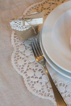 A tortapapír biztosan beindítja a te fantáziádat is. Alkoss vele bátran! Napkins, Tableware, Blog, Vintage, Dinnerware, Towels, Dinner Napkins, Tablewares, Blogging