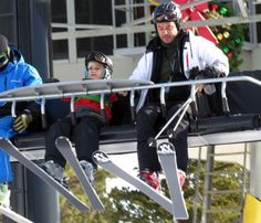 Gwen Stefani and Gavin Rossdale take their boys Kingston and Zuma skiing in Mammoth, California on December 27, 2014