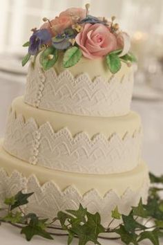How to Make Frosting for a Faux Cake Made of Styrofoam