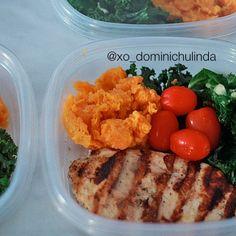 healthy lunch or dinner: grilled chicken *lemon, black peppercorn*, sautéed kale *garlic, black peppercorn, evoo*, grape tomagtoes & mashed sweet potatoes w/ cinnamon - @xo_dominichulinda- #webstagram