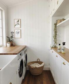 inspiring efficient laundry room ideas for small spaces 24 Mudroom Laundry Room, Laundry Room Organization, Laundry In Bathroom, Small Laundry, Laundry Decor, Laundry Tips, Küchen Design, Home Design, Home Interior Design