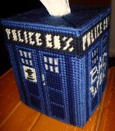 Doctor Who fans can now cover their tissue boxes with a rad TARDIS cover, thanks to Jen of Knitolution.