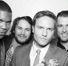 Street, Smash, and the Riggins Brothers at Scott Porter's wedding.    OMG. They all went to Jason Street's wedding. DYING.