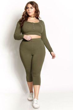 Rebdolls is an unapologetic apparel brand that produces missy and plus fashion in sizes 0 to 32. Established in NYC, the brand understands that a woman's closet must consist of an array of effortlessl