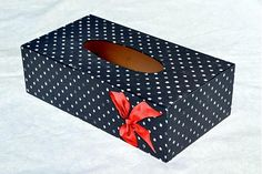 Box na vreckovky bodky a mašľa