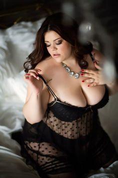 Beautiful Alena Ostanova on the Bed Plus Size Boudoir, Plus Size Lingerie, Curvy Girl Lingerie, Lingerie Models, Beautiful Curves, Big And Beautiful, Nice Curves, Femmes Les Plus Sexy, Curvy Models