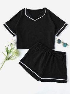 Cute Pajama Sets, Cute Pajamas, Pajamas Women, Girls Fashion Clothes, Teen Fashion Outfits, Look Fashion, Clothes For Women, Gothic Fashion, Cute Lazy Outfits