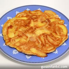 Apple Pie Pancakes - A nutritious breakfast recipe that could easily double as… Baby Food Recipes, Sweet Recipes, Snack Recipes, Cooking Recipes, Snacks, Salada Light, Gluten Free Apple Pie, Kids Meals, Pancake