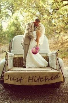 Take Your Wedding Photos With A Vintage Pick-Up Truck! Rustic wedding ideas